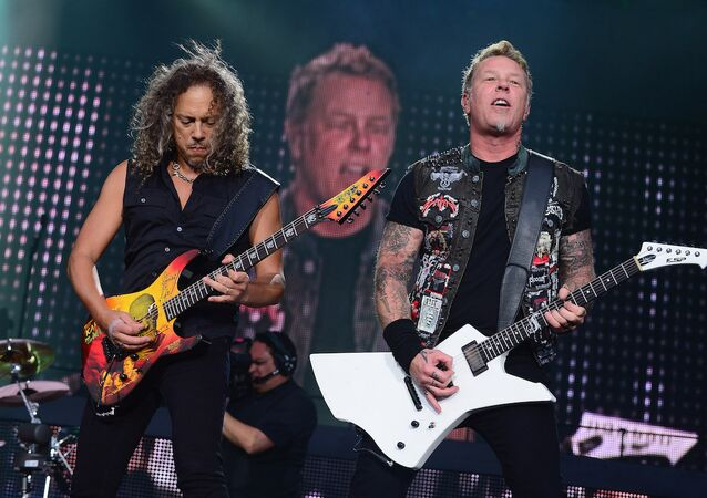 Metallica'dan Pokemon 'cover'ı