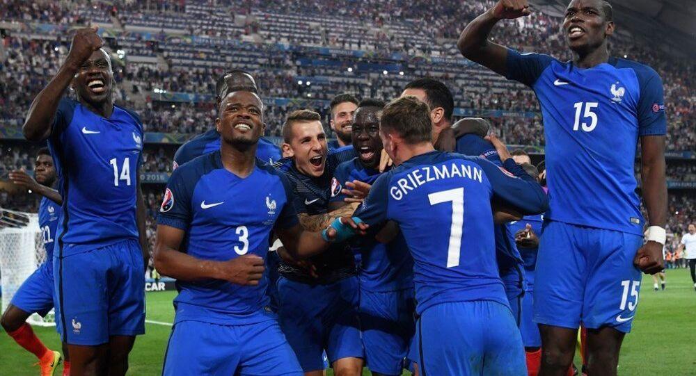 Ev sahibi Fransa, EURO 2016 finaline adını yazdırdı.