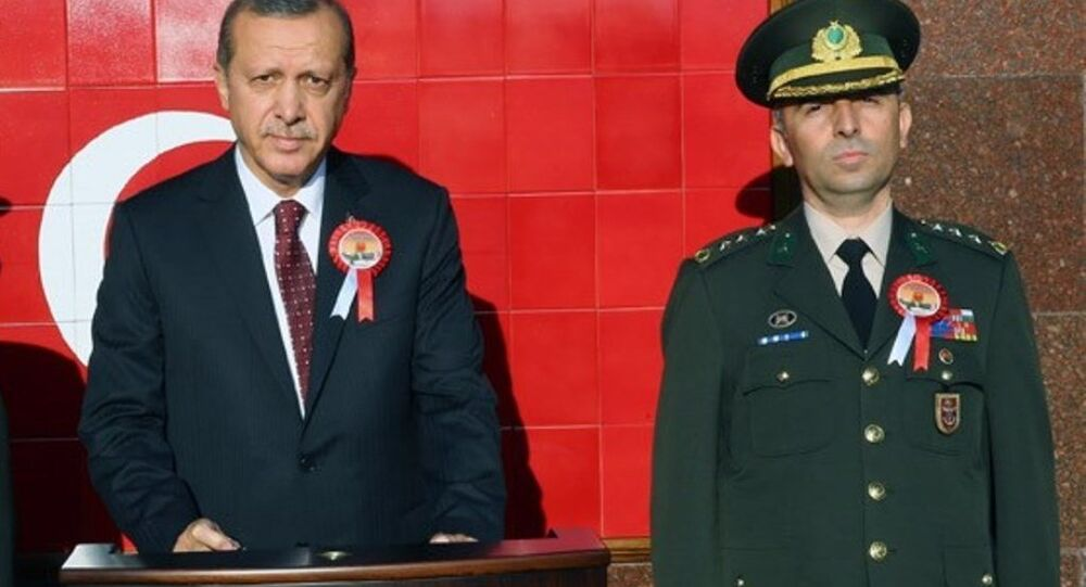 Cumhurbaşkanı Recep Tayyip Erdoğan - Cumhurbaşkanlığı Muhafız Alayı'nın komutanı Kurmay Albay Muhsin Kutsi Barış