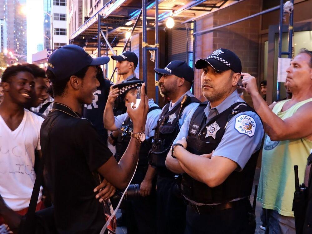 ABD polisinin siyahlara şiddeti protesto edildi