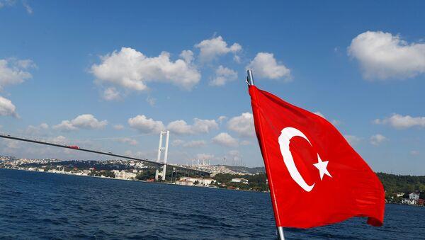 Türk bayrağı - İstanbul boğazı - Sputnik Türkiye