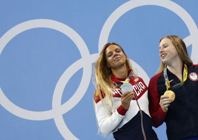 ABD'li yüzücü Lilly King- Rus Yuliya Yefimova