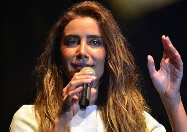 Şarkıcı Sıla