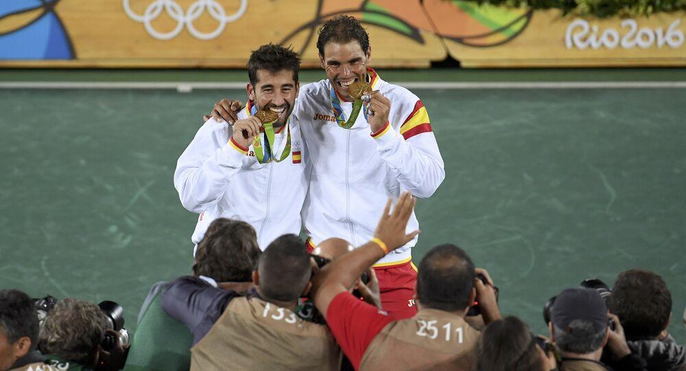 İspanyol tenisçiler Marc Lopez ve Rafael Nadal