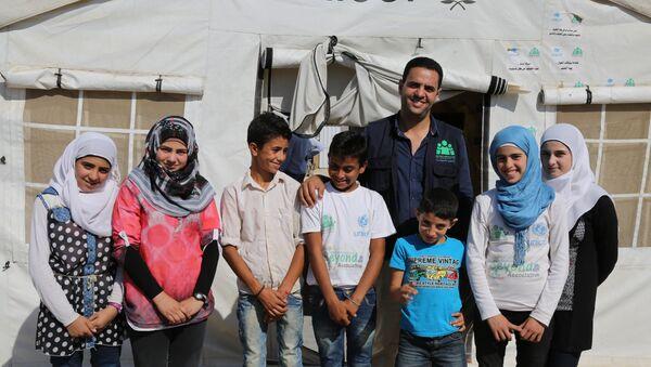 Suriyeli çocuklar gelecekte gazeteci olmak istiyor - Sputnik Türkiye