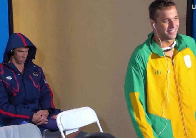Michael Phelps'in Sith Lordu pozu