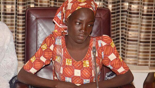 Boko Haram'ın elinden kurtulan llk Çibok kızı Emine Ali. - Sputnik Türkiye