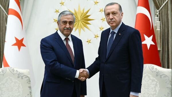 Mustafa Akıncı - Tayyip Erdoğan - Sputnik Türkiye