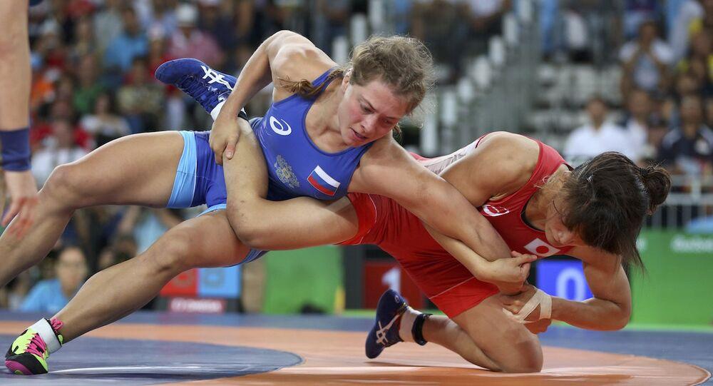 Rus güreşçi Valeria Koblova, Rio Olimpiyat Oyunları'nda gümüş madalyanın sahibi oldu.
