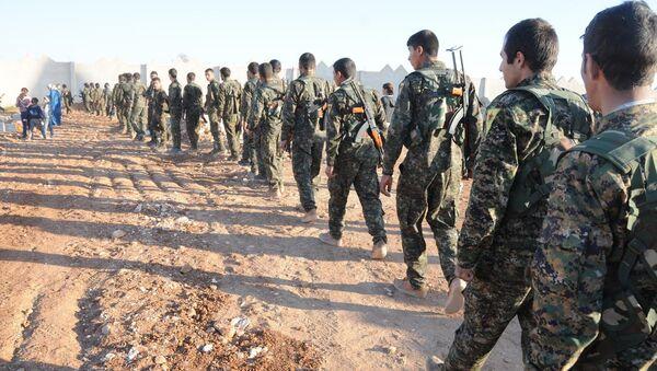 Suriye ordusu, YPG'yi havadan savaş uçaklarıyla bombaladı - Sputnik Türkiye
