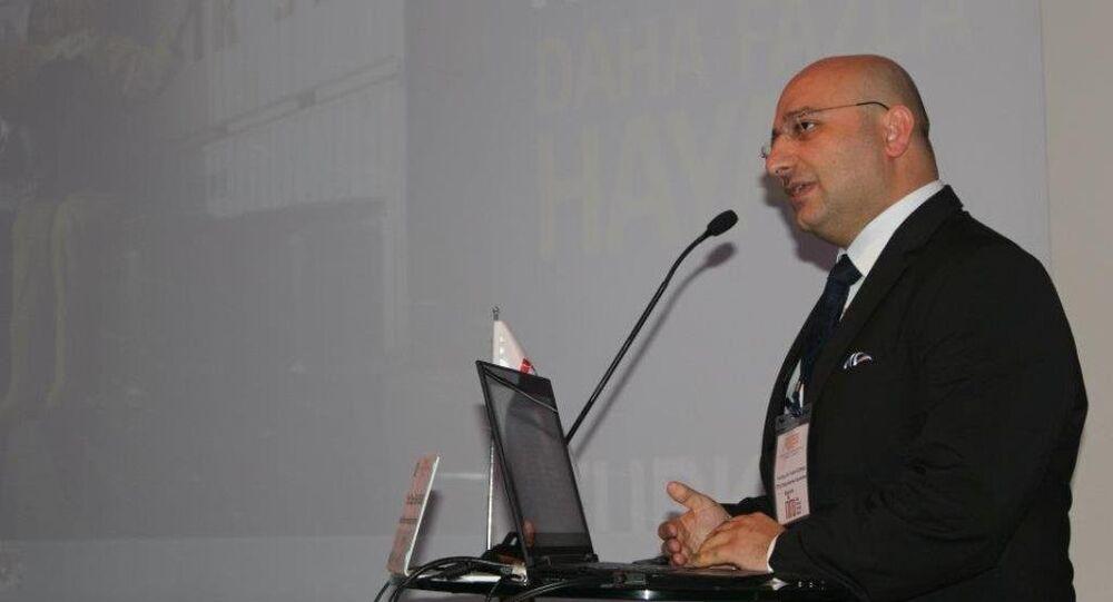 İstanbul Üniversitesi (İÜ) öğretim üyesi Doç. Dr. Fatih Gürsul, Fetullahçı Terör Örgütü'nün (FETÖ) darbe girişimi soruşturması kapsamında açığa alındı.