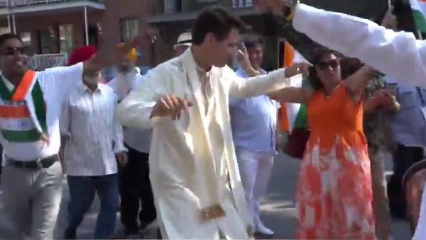 Kanada Başbakanı Justin Trudeau'dan Hindistan Bağımsızlık Günü için bhagara dansı - Sputnik Türkiye