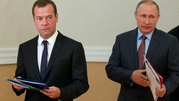 Rusya Başbakanı Dmitriy Medvedev- Rusya Devlet Başkanı Vladimir Putin - Sputnik Türkiye