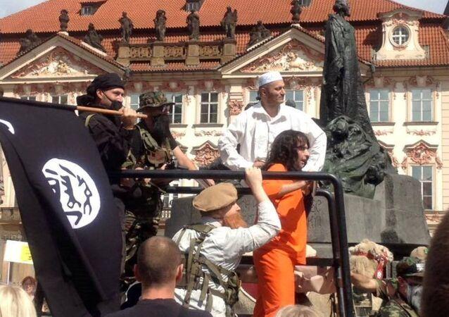Çekya'da bir grup IŞİD işgalini canlandırdı