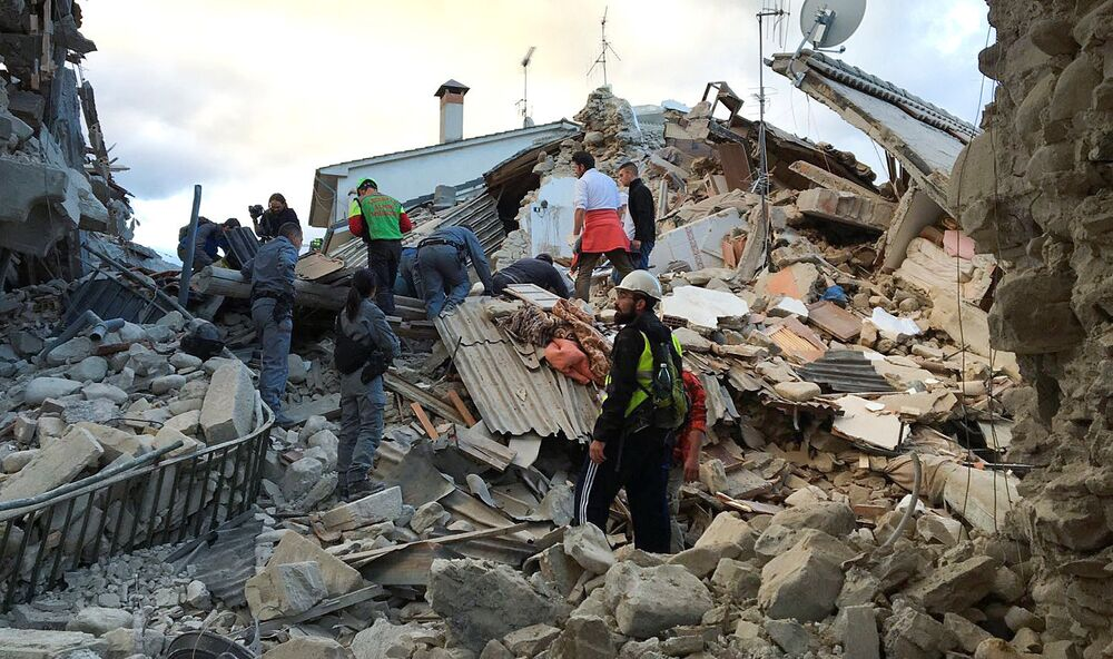 Rieti kentine bağlı Accumoli bölgesinde meydana gelen depremin, yerin 10 kilometre altında olduğunu açıklandı.