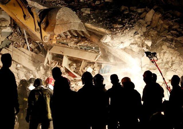 İtalya deprem