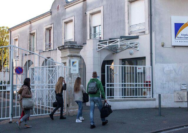 Fransa'nın batısındaki La Rochelle ketinde bulunan Fenelon-Notre Dame lisesi