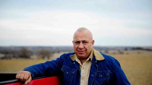 Nebraska'daki seçim kampanyasını at sırtında gerçekleştirecek olan Tom Brewer. - Sputnik Türkiye