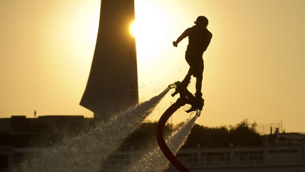 Kırım'ın Sivastopol kenti, 25-26 Ağustos tarihlerinde flyboarding şampiyonasına ev sahipliği yaptı. - Sputnik Türkiye