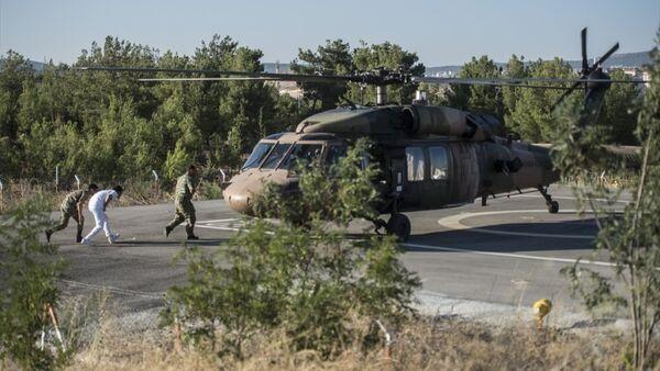 Fırat Kalkanı harekatı sırasında yaralanan 3 asker, Gaziantep'e getirildi. - Sputnik Türkiye