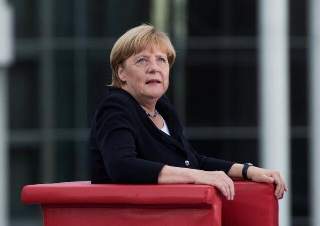 Angela Merkel, Almanya