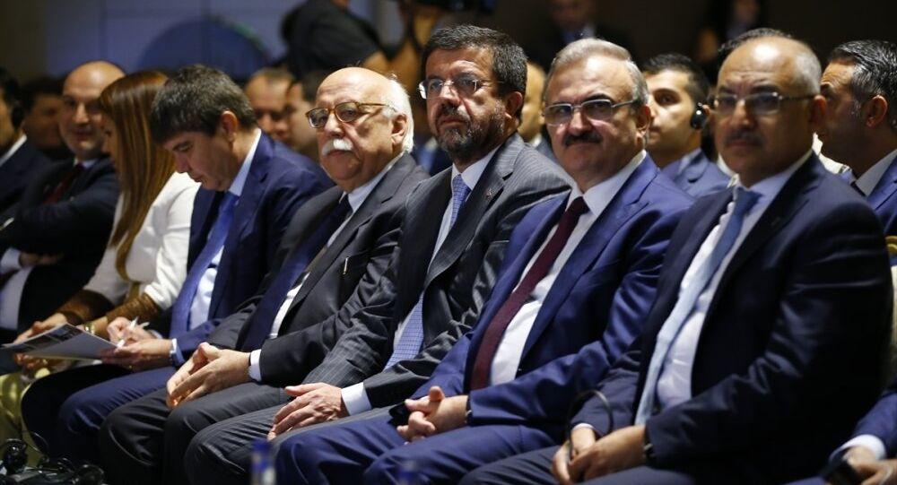 Türkiye-Rusya Medya Forumu, Ekonomi Bakanı Nihat Zeybekçi, Kültür ve Turizm Bakanı Nabi Avcı'nın da katılımıyla Antalya'da bir otelde başladı.
