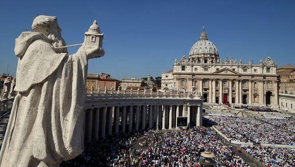 Vatikan'da düzenlenen ayinle Rahibe Teresa resmen Katolik Kilisesi azizelerinden biri oldu - Sputnik Türkiye
