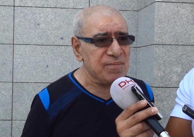 Sanatçı İlyas Salman, FETÖ üyesi olduğuna dair kendisine mesaj attığını iddia ettiği bir kadın hakkında savcılığa suç duyurusunda bulundu.