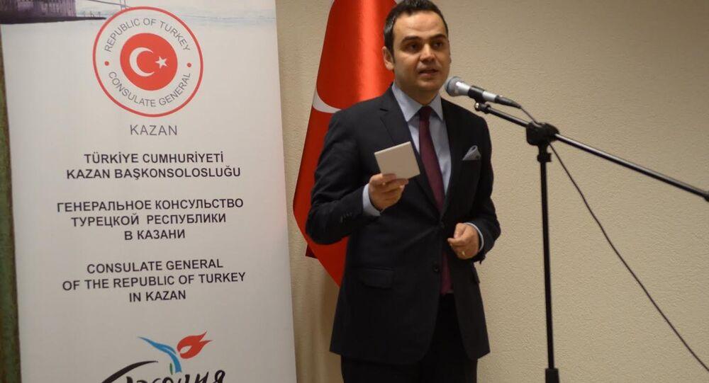 Rusya'ya bağlı Tataristan Cumhuriyeti'nde Türkiye'nin Kazan Başkonsolosluğu'nun 20. yıldönümü çerçevesinde Başkonsolos Turhan Dilmaç'ın kişisel fotoğraf sergisi açıldı.