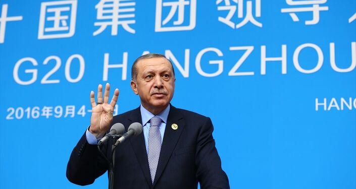 Cumhurbaşkanı Recep Tayyip Erdoğan, G20 Liderler Zirvesi için bulunduğu Çin'in Hangzhou kentinde basın toplantısı düzenledi.
