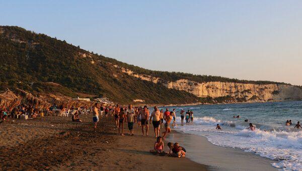 Suriye'deki 'Denizanası Vadisi' plajı - Sputnik Türkiye