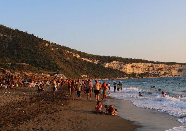 Suriye'deki 'Denizanası Vadisi' plajı