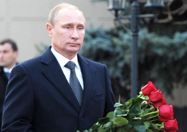 Putin'den Kerimov'un mezarına ziyaret