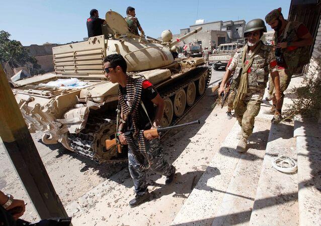 Sirte'de ordu askerleri IŞİS ile amansız bir mücadele veriyor