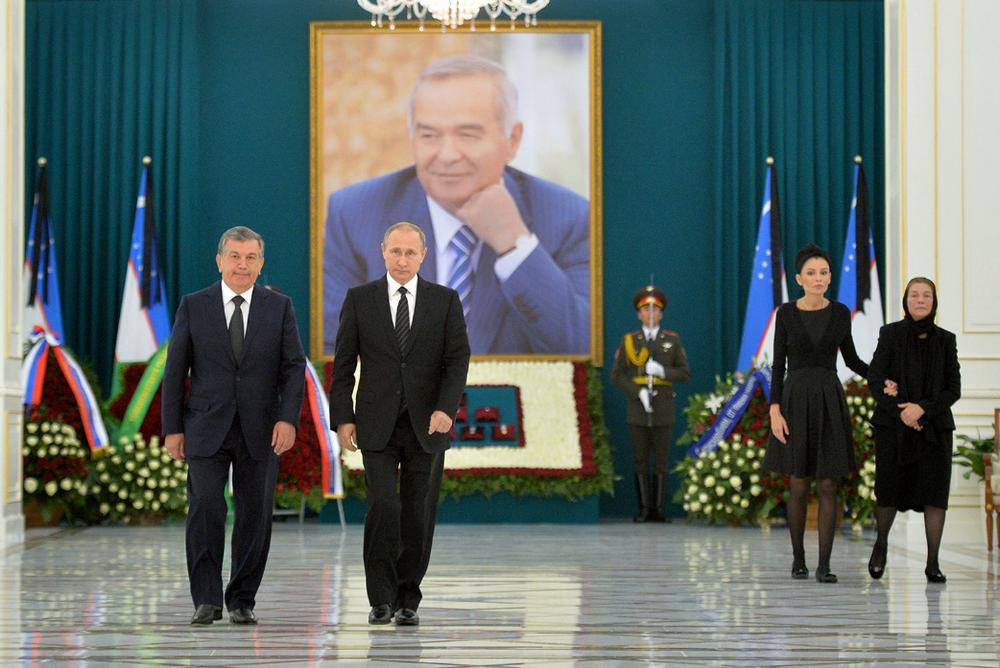 Putin, Kerimov'un mezarını ziyaret etti.