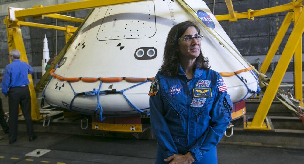 NASA'da çalışan astronot Nicole Stott