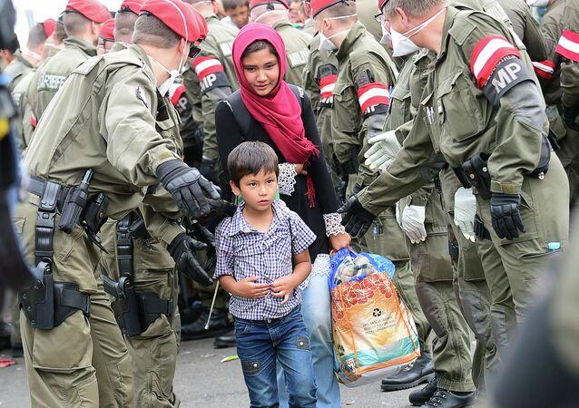 Avusturya-Macaristan sınırındaki sığınmacılar