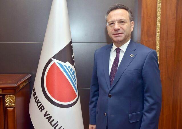 Diyarbakır Valisi Hüseyin Aksoy