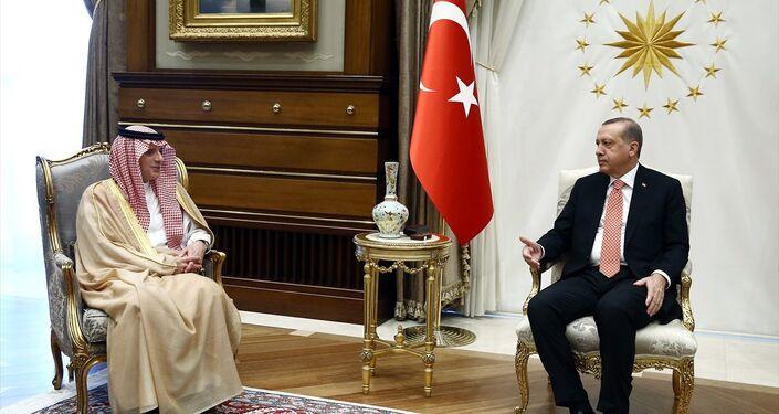 Cumhurbaşkanı Recep Tayyip Erdoğan, Cumhurbaşkanlığı Külliyesi'nde Suudi Arabistan Dışişleri Bakanı Adil el Cübeyr'i kabul etti.