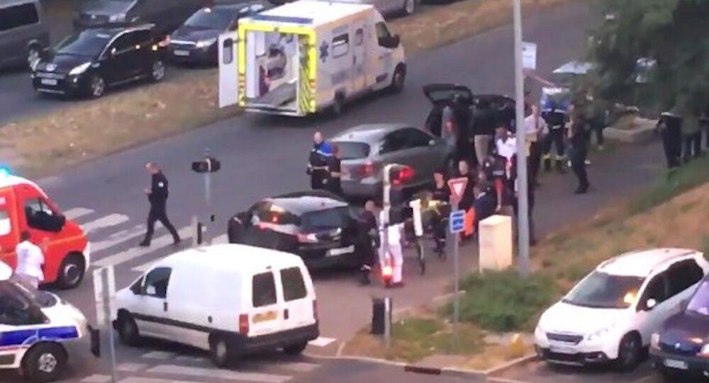 Paris yakınlarında terör hazırlığı içerisinde oldukları belirtilen 3 kadın yakalandı.