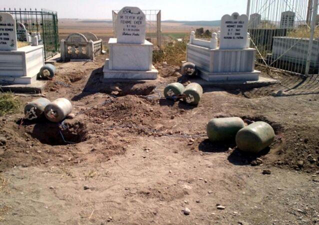 Mehdi Eker'in aile mezarlığında tuzaklı bombalar keşfedildi