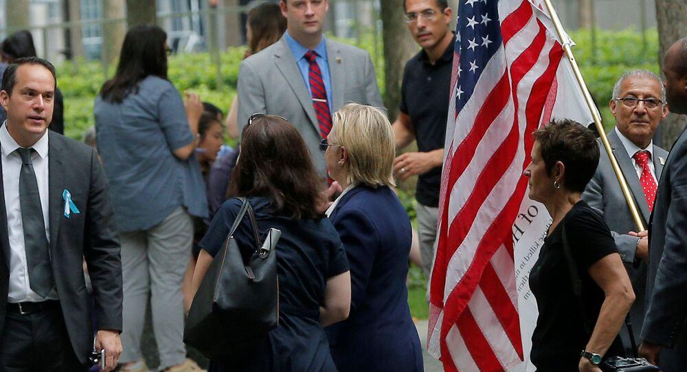 Demokrat Partili başkan adayı Hillary Clinton, rahatsızlığı sebebiyle 11 Eylül törenlerinden erken ayrıldı.