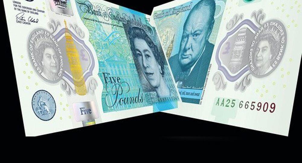 Plastik sterlin banknot