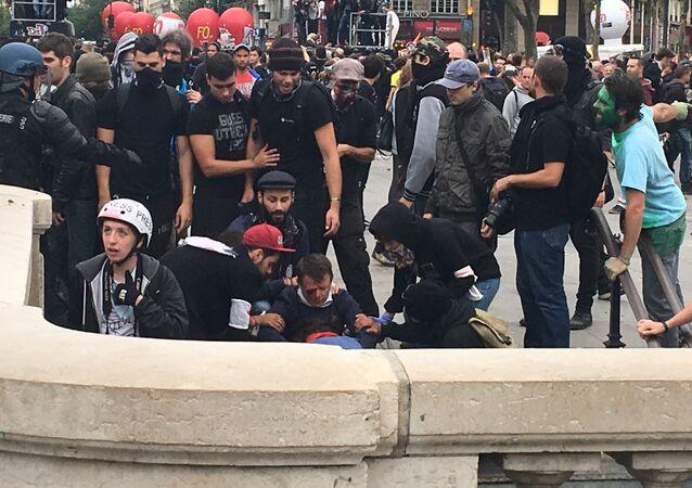 Paris'te İş Kanunu protestoları