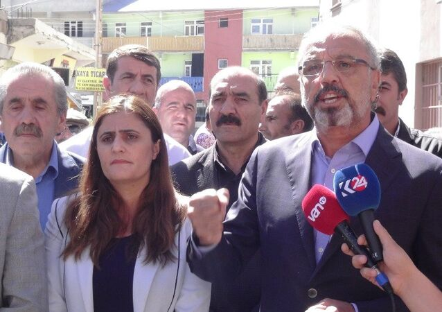 Ağrı Belediye Başkanı DBP'li Sırrı Sakık