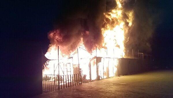 Midilli'deki Moira kampında yangın - Sputnik Türkiye