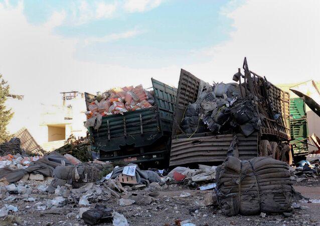 Halep'e yardım götürürken hedef alınan yardım konvoyu