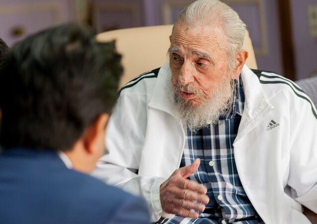 Fidel Castro - Şinzo Abe