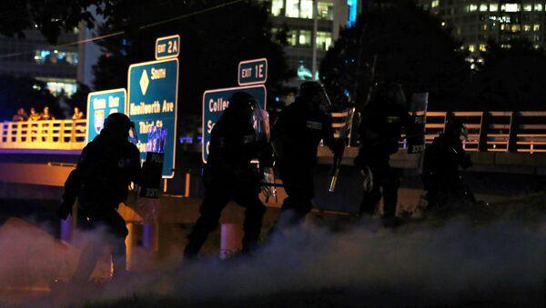 Charlotte'ta gergin gece - Sputnik Türkiye