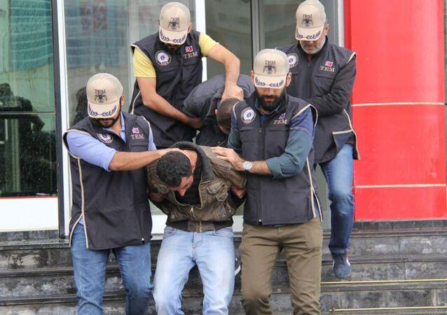 Van'da PKK'lıların kaçırmak istediği 3 kız kurtarıldı